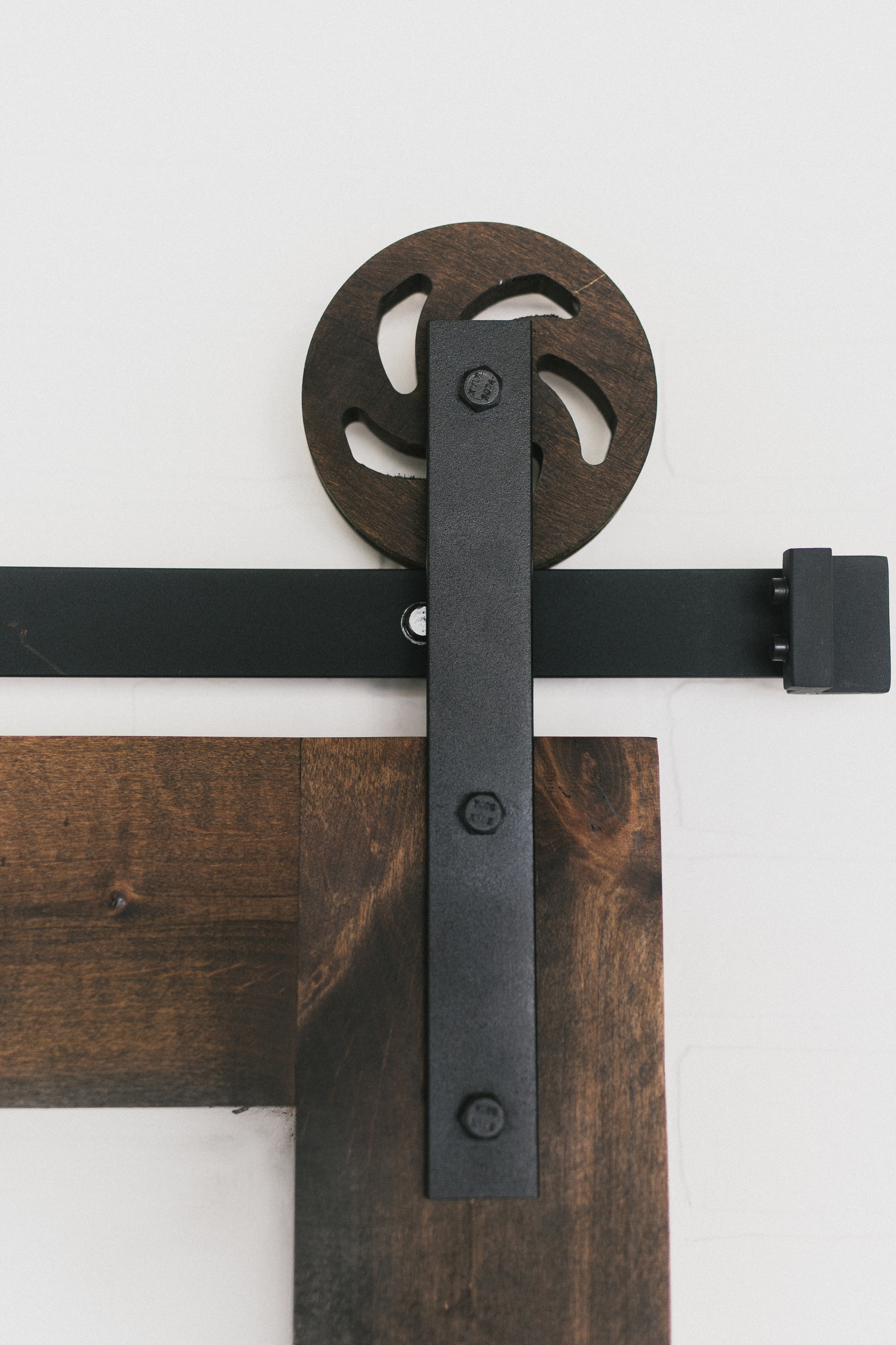 Upton Flat Track Hardware Kit Specialtydoors Com